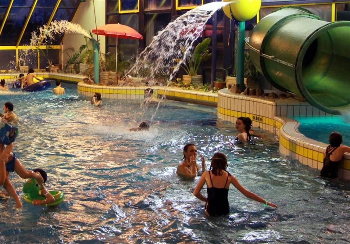 Le centre aquatique près de votre camping Fouesnant