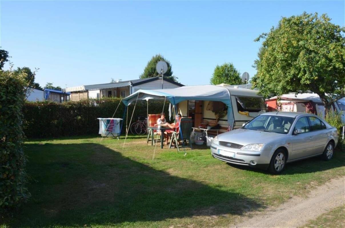 LEs emplacements de camping tout confort dans le camping Kervastard à Fouesnant